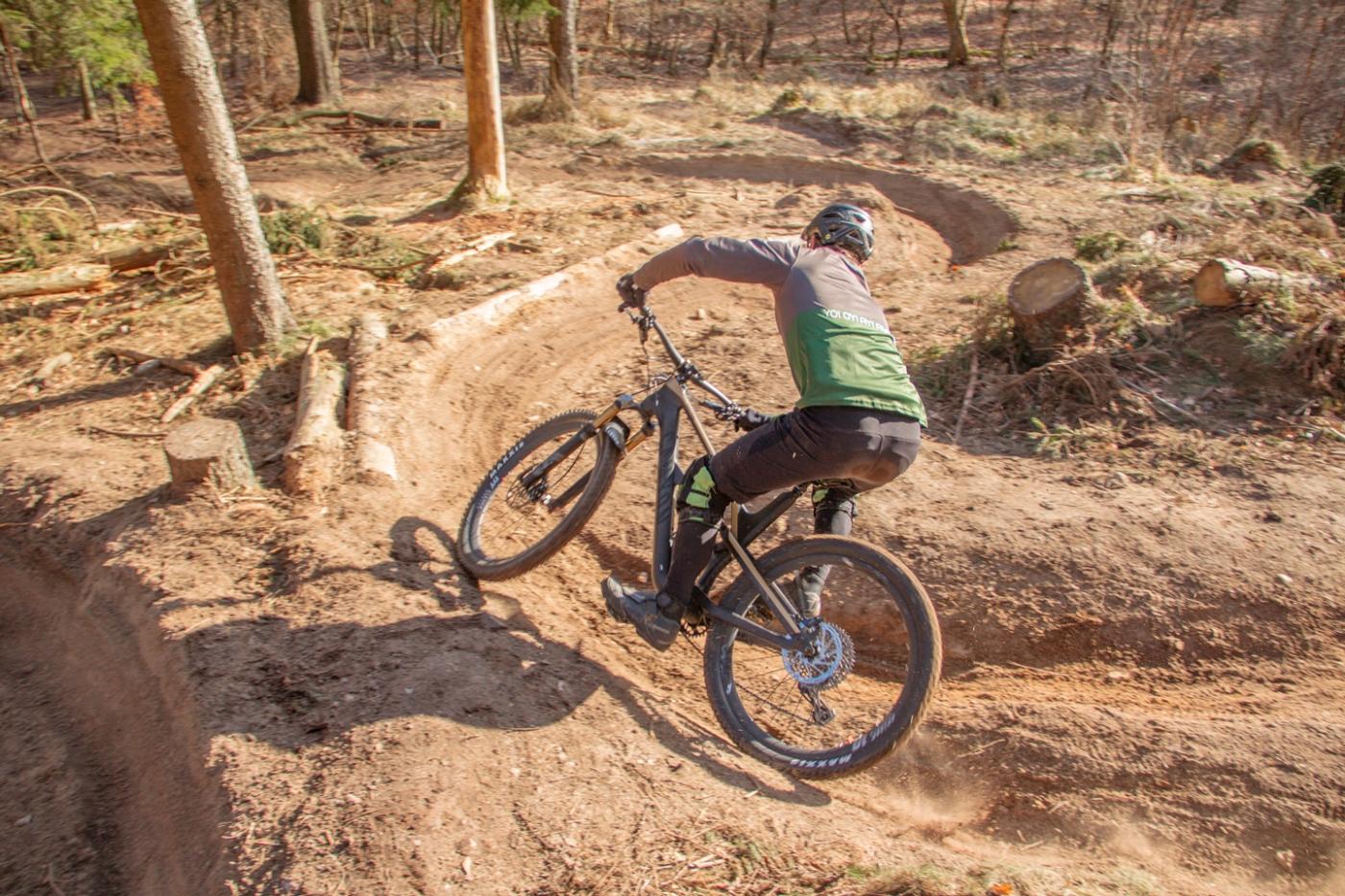 Det nye trailmonster – Canyon Spectral – Bikings
