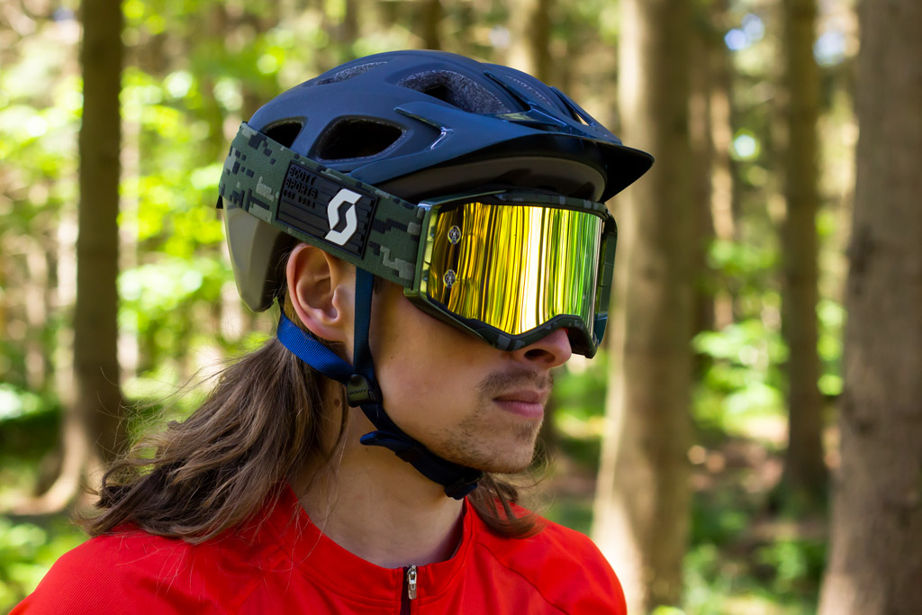 Scott Vivo Plus med goggles