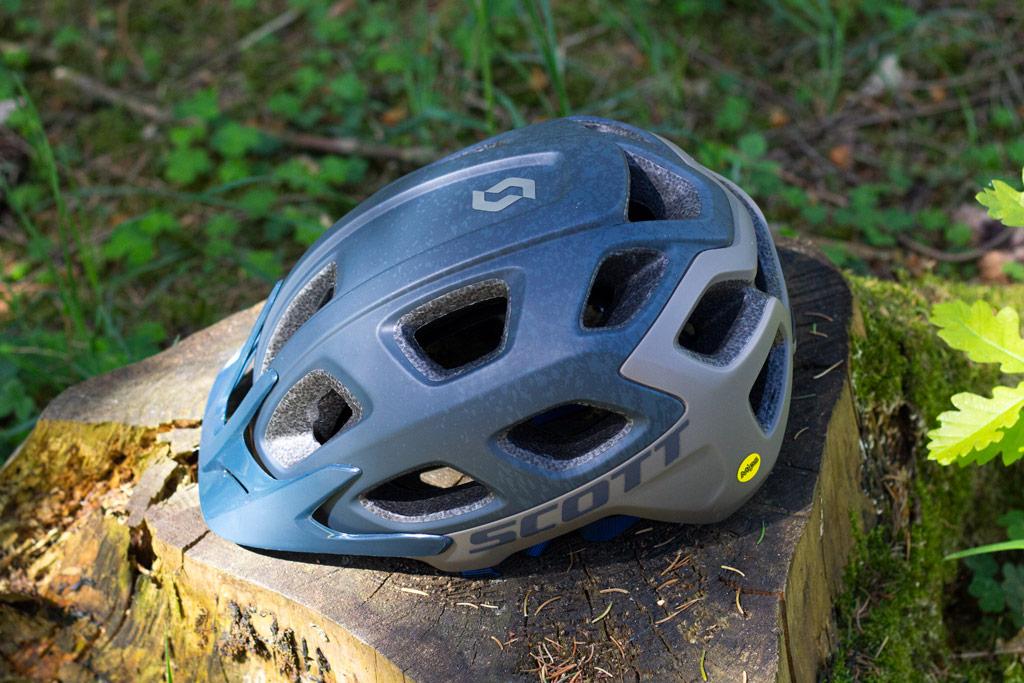 toppen af hjelmen