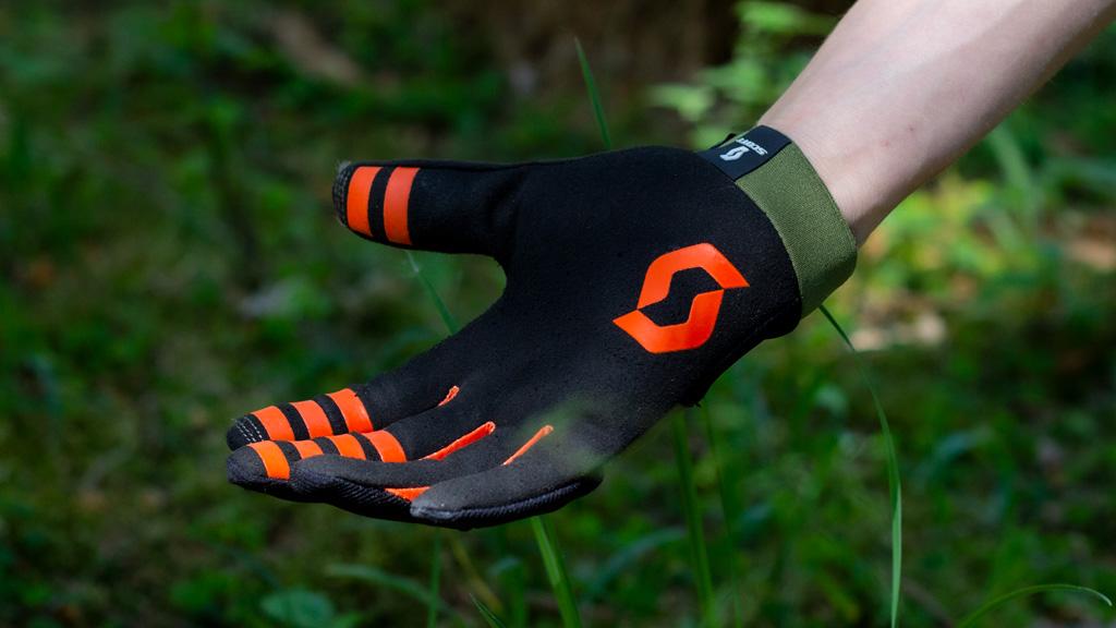 indersiden af handskerne, de ser fede ud